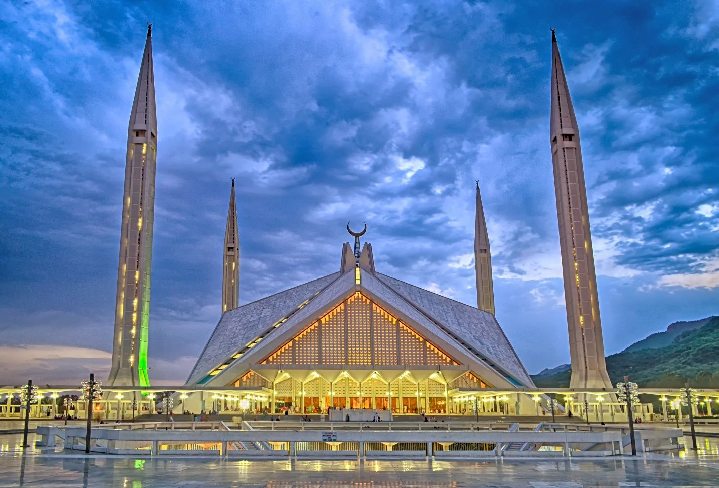 Top 10 Travel Attentions in Islamabad